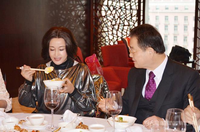 Chồng Lưu Hiểu Khánh: 30 năm nuôi mộng ôm nàng Võ Tắc Thiên, hồi sinh khi lấy vợ tuổi U80-17