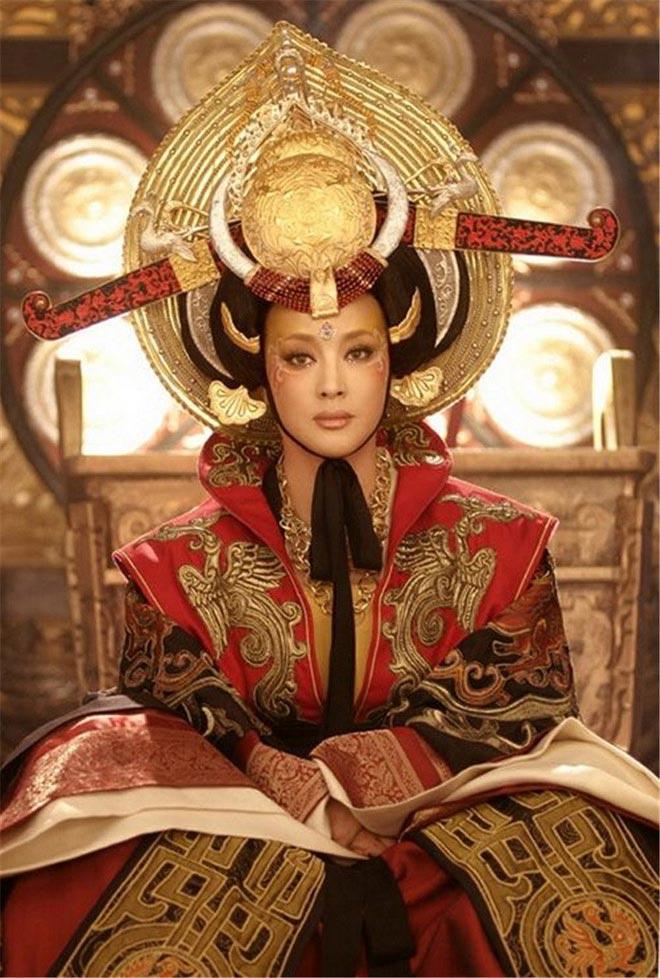 Chồng Lưu Hiểu Khánh: 30 năm nuôi mộng ôm nàng Võ Tắc Thiên, hồi sinh khi lấy vợ tuổi U80-2