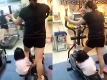 Cùng tập thể dục cùng mẹ nào