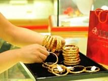 Giá vàng hôm nay 30/7: Tương lai khó đoán, rủi ro khi mua vàng