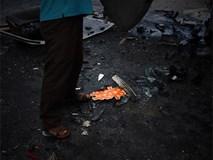 Khoảnh khắc ám ảnh vụ tai nạn xe rước dâu: Chữ hỉ đỏ rực lạc lõng giữa những vụn vỡ, đau thương