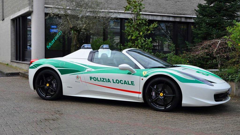 Những chiếc ôtô cảnh sát đẹp hơn xe của dân chơi-3