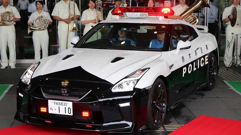 Những chiếc ôtô cảnh sát đẹp hơn xe của dân chơi-9