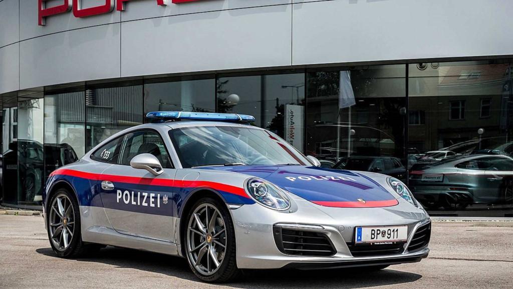 Những chiếc ôtô cảnh sát đẹp hơn xe của dân chơi-1
