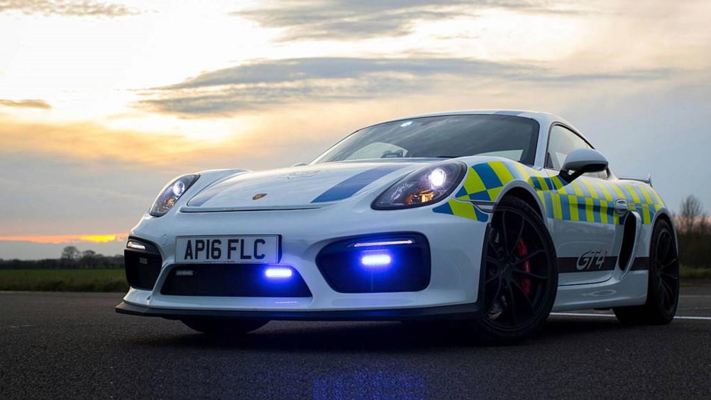 Những chiếc ôtô cảnh sát đẹp hơn xe của dân chơi-7