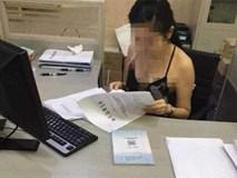 Sự thật sau bức ảnh nữ nhân viên hải quan mặc váy hở hang khi làm việc khiến dân mạng la ó