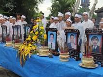 Vụ tai nạn thảm khốc 13 người chết: Áo tang trắng vùng quê nghèo miền Trung