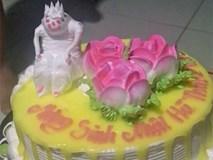 Cô gái đặt bánh sinh nhật hình con khỉ, nhìn sản phẩm dân mạng cười rũ rượi: Thợ bánh nghe nhầm thành con quỷ ư?