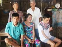 Rớt nước mắt cảnh vợ chồng già đi cắt cỏ thuê nuôi 4 con tâm thần, muốn ăn một bữa ngon rồi chết cùng con