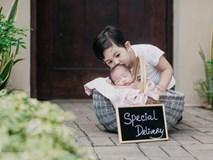 Con trai đầu của Khánh Thi ngọt ngào hôn em gái