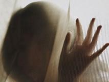 Lấy chồng sớm, bị cha mẹ đẻ ruồng rẫy và tháng ngày sống địa ngục của bé gái 11 tuổi