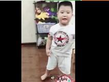Cậu bé từng bị 'chị Google' dọa sợ xanh mặt hóa siêu nhân nhảy 'Gangnam style' cực ngầu