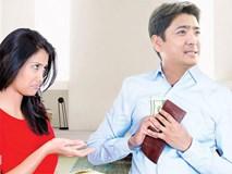 Vợ trẻ ấm ức vì chồng đi làm lương tháng 6,5 triệu bo bo giữ túi, mua cho con chiếc nôi 600 nghìn cũng tiếc