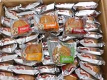 Bánh trung thu Trung Quốc tràn ngập: Hàng nhập rẻ hơn rau chợ