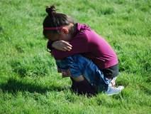 Khi con có những hành vi này, cha mẹ đừng bao giờ tặc lưỡi bỏ qua vì nghĩ