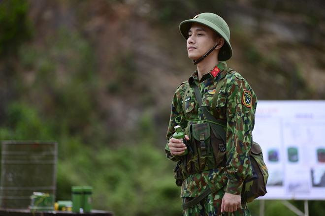 Sao Nhập Ngũ: Mr Cần-Trô Xuân Nghị và các tân binh hoảng hồn ném lựu đạn, dập lửa-2