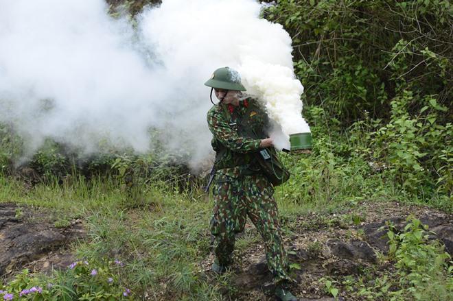 Sao Nhập Ngũ: Mr Cần-Trô Xuân Nghị và các tân binh hoảng hồn ném lựu đạn, dập lửa-4