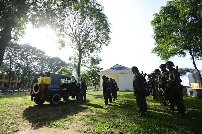 Sao Nhập Ngũ: Mr Cần-Trô Xuân Nghị và các tân binh hoảng hồn ném lựu đạn, dập lửa-8