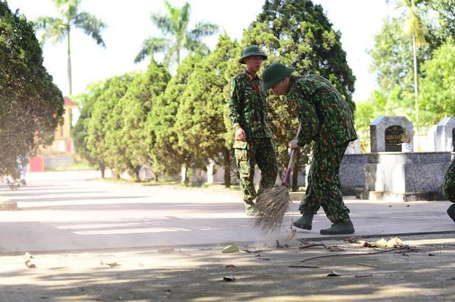 Sao Nhập Ngũ: Mr Cần-Trô Xuân Nghị và các tân binh hoảng hồn ném lựu đạn, dập lửa-13