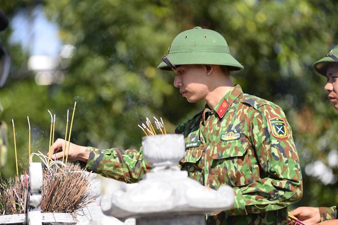 Sao Nhập Ngũ: Mr Cần-Trô Xuân Nghị và các tân binh hoảng hồn ném lựu đạn, dập lửa-14