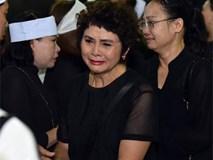 Vợ 'Chí Phèo' Bùi Cường nằm viện khi tang lễ của chồng diễn ra