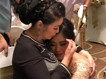 Món quà cưới bất ngờ NS Hồng Vân tặng con gái: Cả hội hôn rưng lệ xúc động