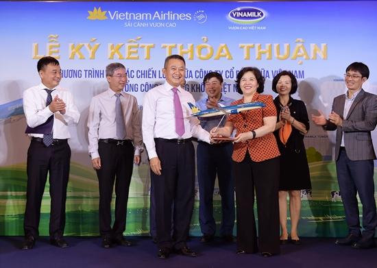 Thơm ngon thức uống Vinamilk trên chuyến bay Vietnam Airlines-4