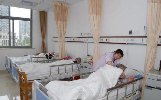 Người phụ nữ 32 tuổi bị đột tử, cảnh báo 3 chỗ đau trên cơ thể cần đến viện gấp-2