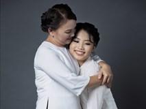 Phương Mỹ Chi hạnh phúc 'khoe' mẹ trong bộ ảnh mừng mùa Vu Lan