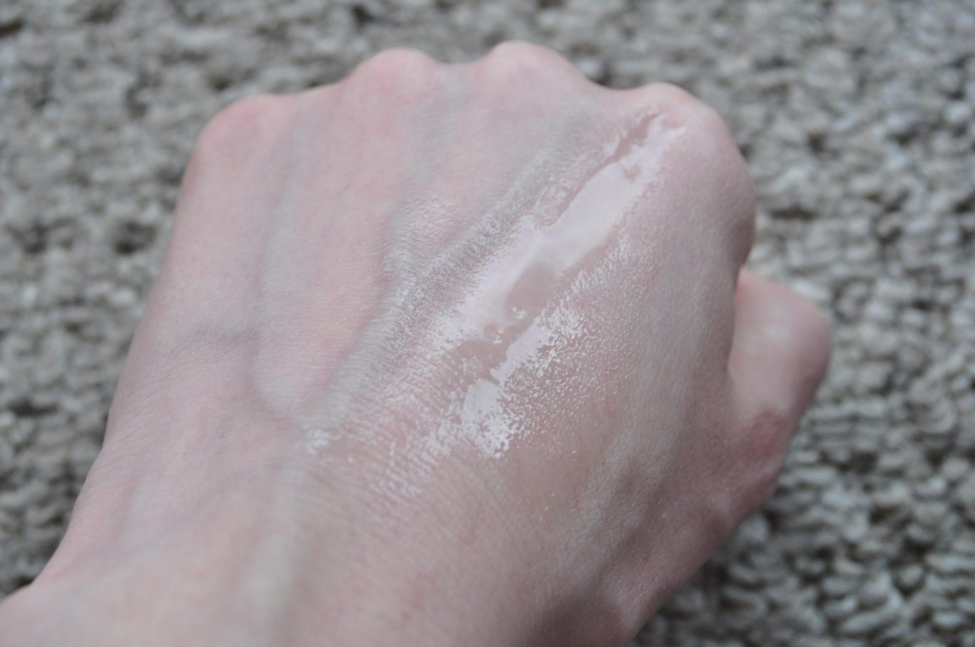 10 lọ toner được gợi ý hợp từng loại da từ da dầu, khô đến da mụn, hư tổn-4