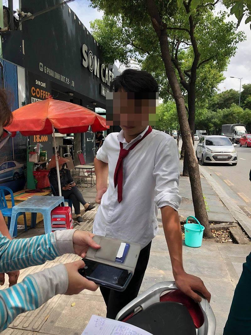 Tài xế taxi Vinasun bị tố chửi mắng, hành hung nữ hành khách-1