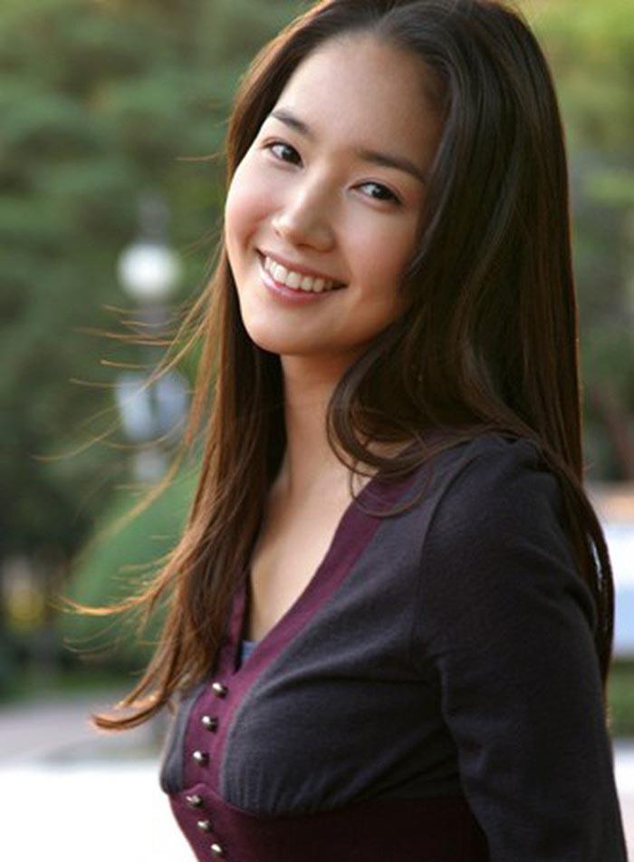 Không chỉ đập mặt xây lại, thư kí Kim còn duy trì nhan sắc không tuổi nhờ 4 cách sau-2