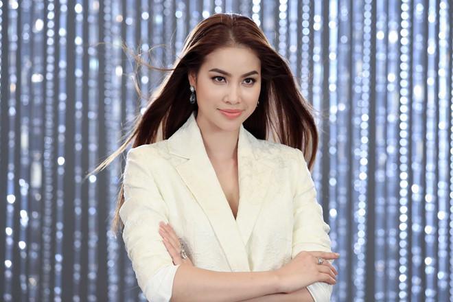 Ơn trời, cuối cùng thì Phạm Hương cũng đã chịu gia nhập Hội mỹ nhân để tóc mái bằng rồi!-4