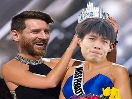 Ảnh chế Messi trao vương miện trượt penalty cho Công Phượng
