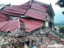 Trường tiểu học đổ sập trước ngày khai giảng ở Thanh Hoá, nhiều người may mắn thoát chết