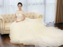 Bạn gái danh hài Công Lý bất ngờ thử váy cưới, làm cô dâu xinh đẹp