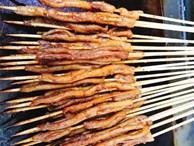 Ruột vịt nướng thơm nức mũi 'gây bão', ăn là phải làm vài chục xiên mới đã cơn thèm