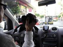 Bị phát hiện ngoại tình, nữ giám đốc trốn trong cốp xe sang