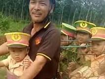 Thỏa ước mơ nghề nghiệp: 4 bé mặc đồng phục công an vi vu bố chở trên đường