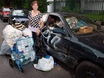 Lý do ngỡ ngàng khiến nữ đại gia sở hữu 186 tỷ vẫn... đi nhặt ve chai mỗi ngày