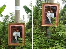 Bức ảnh cưới còn rất mới được treo trên cột điện, dân mạng bảo: Đang tháng cô hồn, xin đừng dọa nhau!