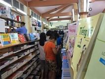 Chuyện lạ giữa thủ đô: Phụ huynh nháo nhác vì thiếu SGK