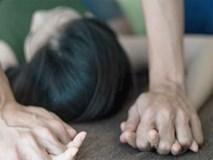 Giáo viên sốc nặng khi nữ sinh tiết lộ bị cha đẻ cưỡng bức suốt 5 năm: