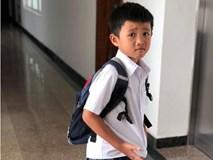 'Chết cười' ngày đầu đi học của con trai Phạm Anh Khoa: 'Hay thôi con về quê chăn bò'
