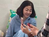 Bức xúc vì chuyện của Mai Phương: Bắt cầm phong bì để chụp hình 'làm chứng'