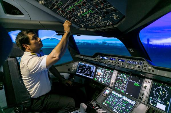 VNA mạnh tay đầu tư thiết bị huấn luyện buồng lái giả-1