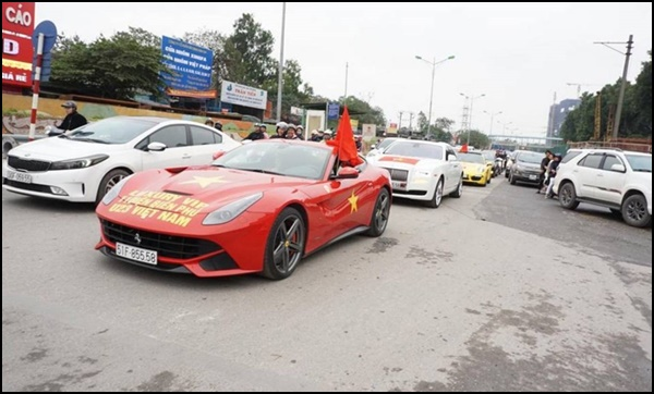 xe7 - Dàn 'Quái Xế' Khủng Thi Nhau Độ Cổ Động U23 Việt Nam