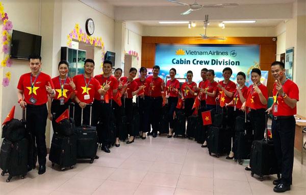 Ngập sắc đỏ trên chuyến bay Vietnam Airlines sang Indonesia-2