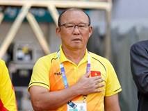 Có một điều ít ai để ý thầy Park là người duy nhất trong sân hát 2 lần quốc ca và là người buồn khi nước nhà chiến thắng