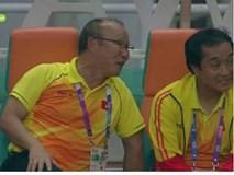 Vì sao HLV Park Hang Seo tươi cười khi Olympic Việt Nam bại trận trước Hàn Quốc?